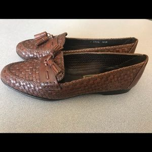 Cole Haan Brown Woven Leather Tassel Loafers 8.5 B